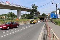 Podjezd v Předmostí čeká rozšíření, v Lýskách zase vznikne nová mostní konstrukce. Řidiči se musejí připravit na uzavírky.