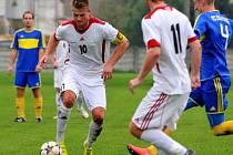 Fotbalisté Kojetína-Kovalovic (v bílém). Ilustrační foto