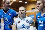 Přerovské volejbalistky (v modrém) proti VK Šelmy Brno.