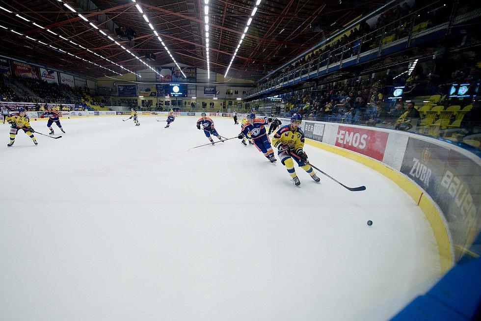 Hokejisté Přerova (ve žlutém) doma porazili Litoměřice 3:1.