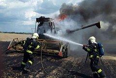 Požár kombajnu u Bochoře