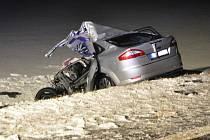 Tragická srážka mondea s náklaďákem