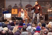 Vánoční koncert Pavla Nováka mladšího na přerovském náměstí