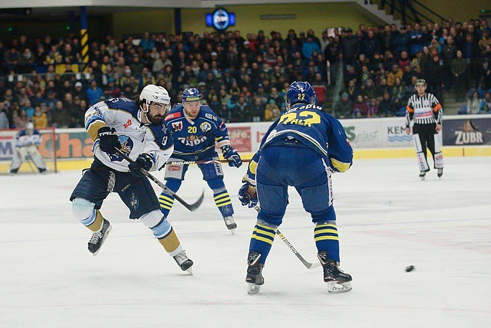 Čtvrté utkání čtvrtfinále hokejové Chance ligy mezi HC Zubr Přerov a Rytíři Kladno.