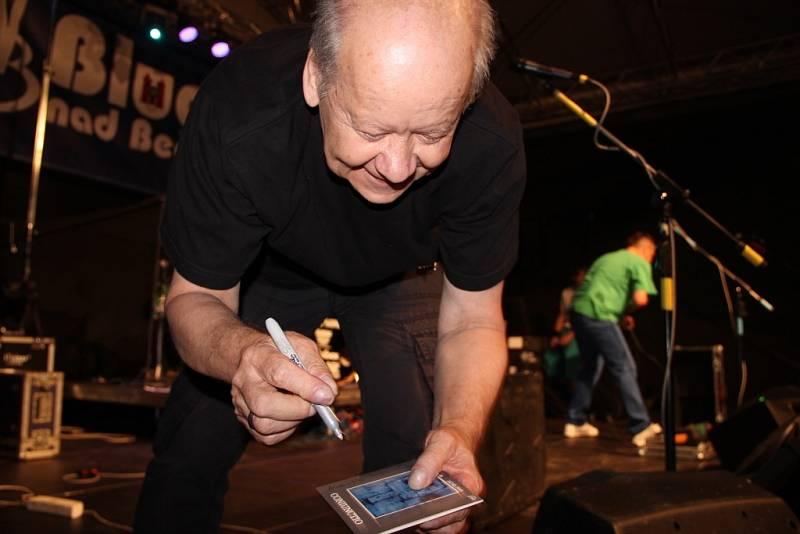 Vrcholem festivalu byl Radim Hladík s kapelou Blue Effect.