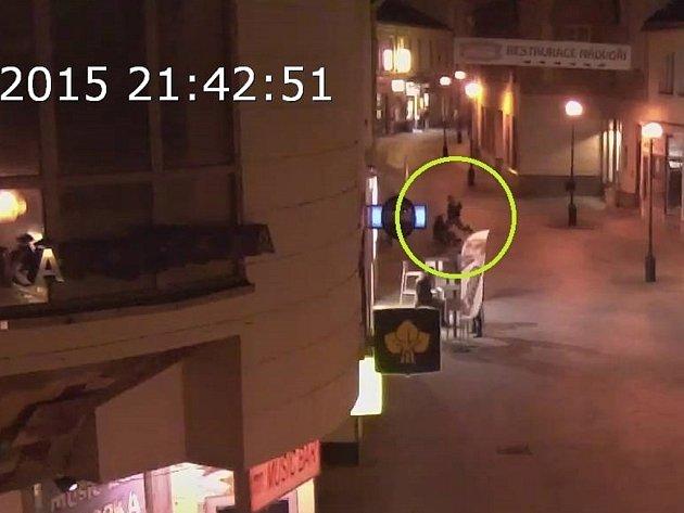 Rvačka dvou mužů v centru Přerova