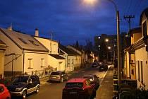Ulici Svépomoc v Přerově čeká proměna - kvůli přeložce veřejného osvětlení zde zbourají sloupy na předzahrádkách domů.