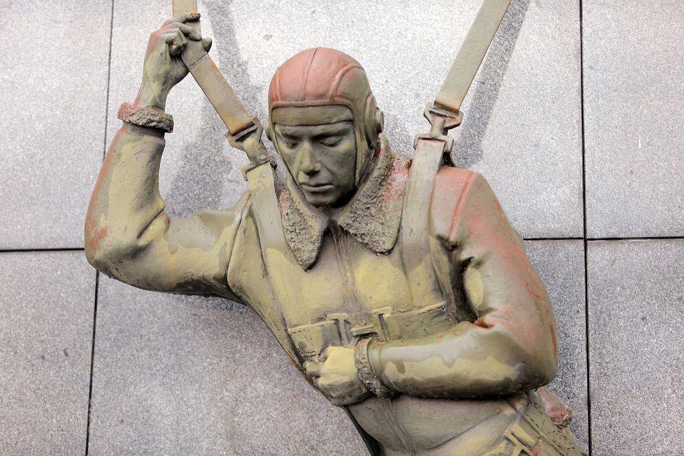 Troubky - pomník americkým letcům