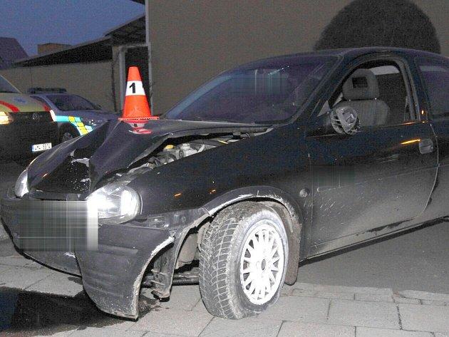 Nehoda opilé řidičky Opelu Corsa v Tovačově