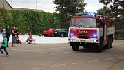 """Ve Veselíčku proběhlo tradiční """"Rozloučení s prázdninami"""", součástí programu byl i křest nového hasičského vozidla"""
