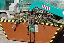 V některých městech České republiky jsou rozmístěny hnědé kontejnery na rostlinný odpad.