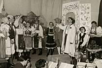 """Ochotníci ve Špičkách. Divadelní soubor při ,,Slovácké princezně""""."""