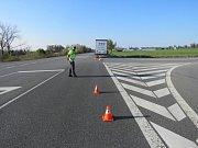 Tragická nehoda nákladního vozidla s motocyklem v Horní Moštěnici