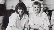 Jana Pospíšilová (dnes Rychlá) - vlevo a Jana Novotná na fotografii týmu Přerova, který vybojovalo 1.místona Mistrovství ČSSR smíšených družstev