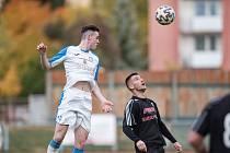 Fotbalisté Přerova (v bílém) porazili 1. HFK Olomouc.