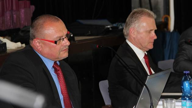 Jednání městského zastupitelstva, které se konalo v pondělí 28. dubna, se protáhlo až do jedenácti hodin v noci.