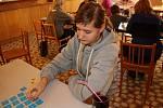 Téměř dvacítka obyvatel Rakova se sešla, aby se zúčastnila třetího ročníku Turnaje v pexesu.