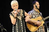 Koncert skupiny Plavci se zpěvačkou Irenou Budweiserovou v Městském domě v Přerově