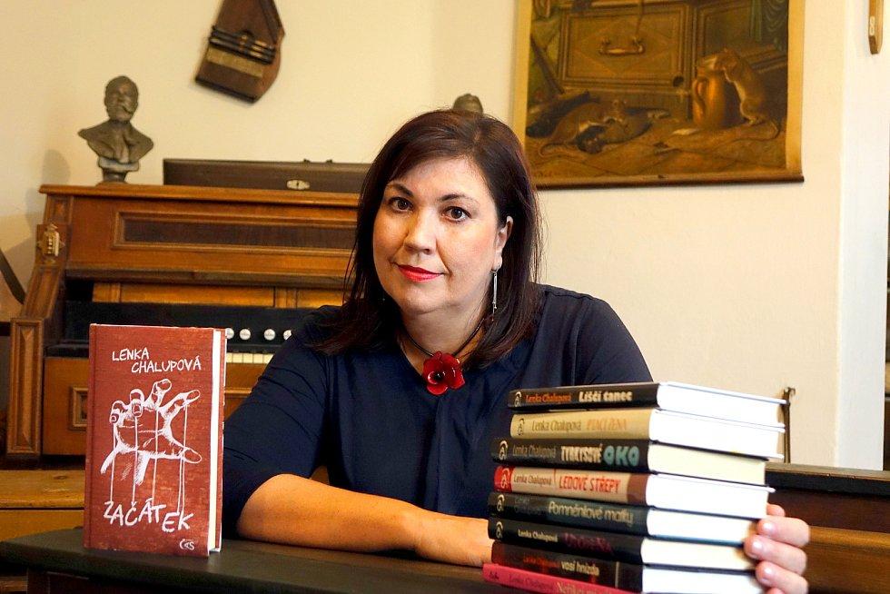 Přerovská spisovatelka Lenka Chalupová vydává novou knihu Začátek.
