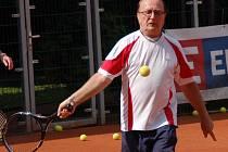 Petr Janda trénuje tenis v Přerově