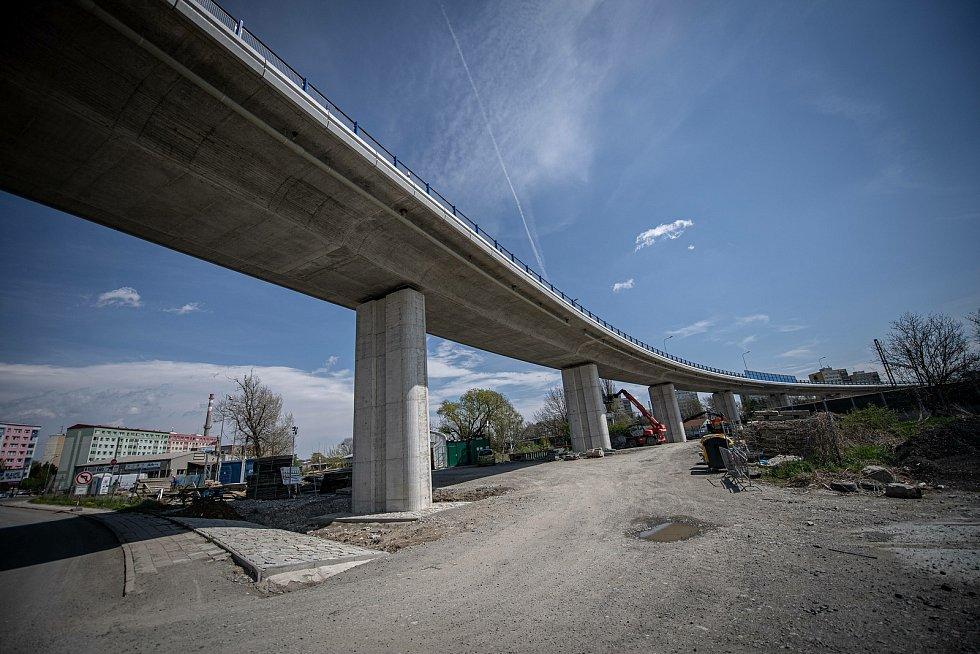 Novou estakádu v Přerově-Předmostí zprovoznili 4. května 2021. Dopravě ve městě to však neuleví, naplno se rozjela stavba kruhového objezdu u Lidlu.