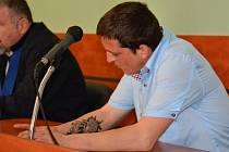 Trest v podobě dvouleté podmínky dostal  u přerovského soudu za usmrcení z nedbalosti Lukáš Černošek (na snímku vpravo).
