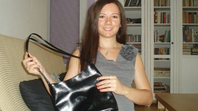 Přerovská sbormistryně Kateřina Galatenko přispěla taky kabelkou