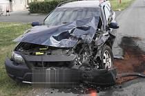 Nehoda u Kojetína si vyžádala tři zraněné a škodu čtvrt milionu korun.