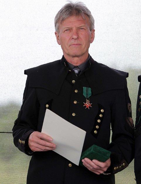 Předávání nejvyšších záchranářských ocenění - Čestmír Stavinoha získal Stříbrný Záchranářský záslužný kříž