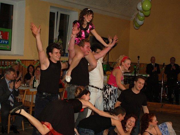 Hasičský ples v Henčlově