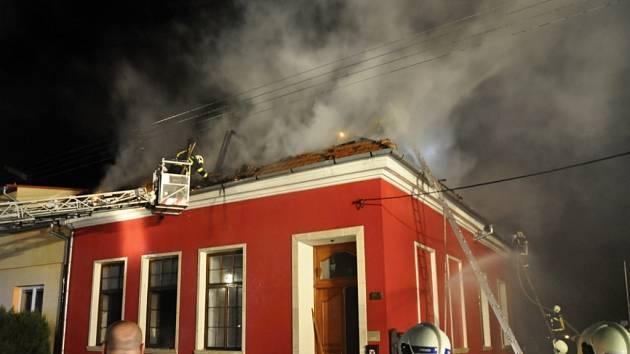 Požár rodinného domku v Říkovicích