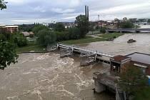 Rozvodněná Bečva v Přerově - 23. 5. 2019