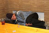 Bezdomovci mohou přečkat mrazivou noc v sedárně Českého červeného kříže v ulici U Bečvy v Přerově.
