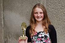 Žákyně deváté třídy přerovské Základní školy Svisle Monika Šulová obdržela společně s dalšími šestadvaceti oceněnými prestižní cenu Scholar.