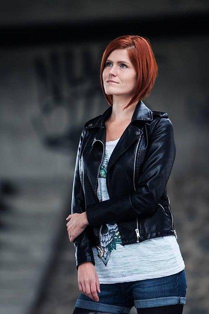 Zpěvačka kapely Corps of Noise Ivana Svítková