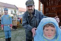 Stavba unikátního betlému v Dřevohosticích na Přerovsku - Alexander Forýtek autor