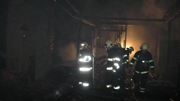 Požár stodoly v Jezernici