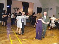 Myslivecký ples uspořádalo v sobotu 28. ledna v Jezernici místní myslivecké sdružení Mezihoří. Z kuchyně voněly zvěřinové speciality a v sále zněly myslivecké songy.