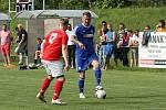 Fotbalisté Všechovic (v modrém) v přípravném utkání v Brodku u Přerova