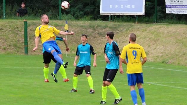 Fotbalisté Kozlovic (ve žlutém) proti TJ Skaštice.