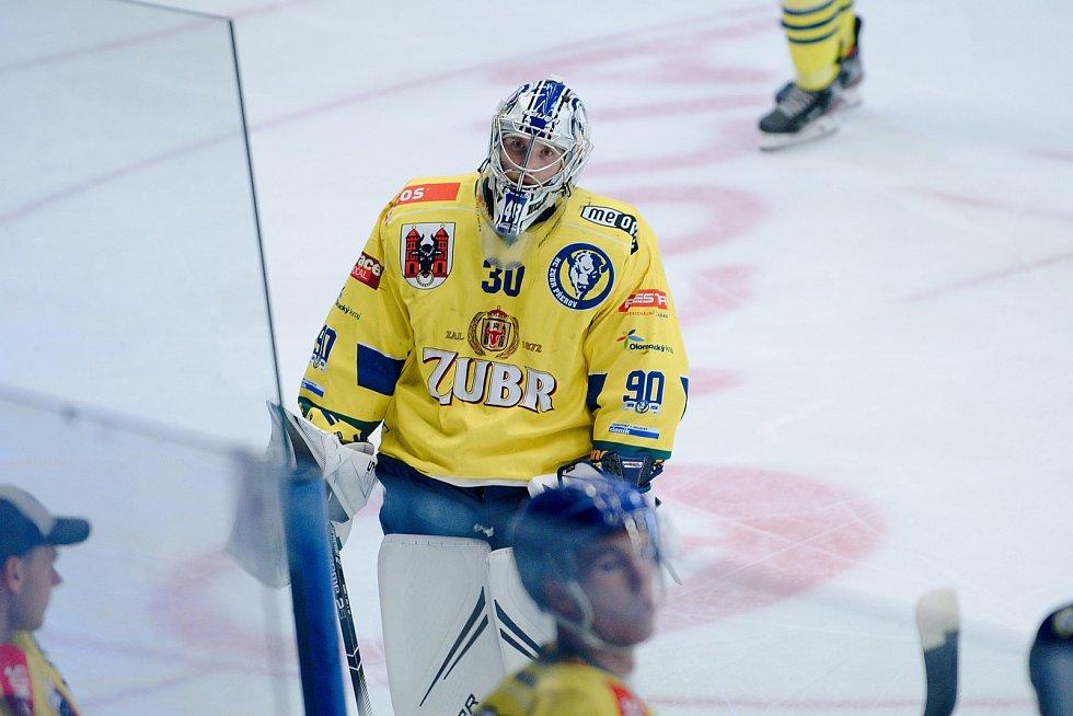 Hokejisté Přerova (ve žlutém) a Vsetína během přípravného Zubr Cupu.