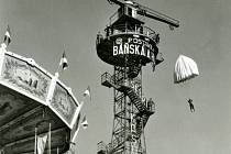 Unikátní padáková věž na Středomoravské výstavě