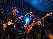 Čtvrtý ročník festivalu Blues nad Bečvou hostil v sobotu zvučná jména. O nezapomenutelnou atmosféru se kromě legendárního Jana Spáleného postaral britský kytarista a zpěvák Laurence Jones, o kterém světová hudební veřejnost ještě asi uslyší.