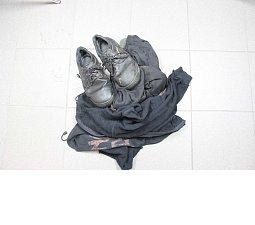Oblečení, které se našlo nedaleko loupeže v Hustopečích nad Bečvou