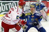 Jan Švrček (v modrém) ještě v dresu Komety Brno