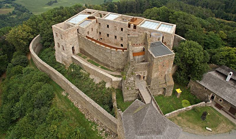 Hrad Helfštýn po náročné rekonstrukci renesančního paláce. Srpen 2020