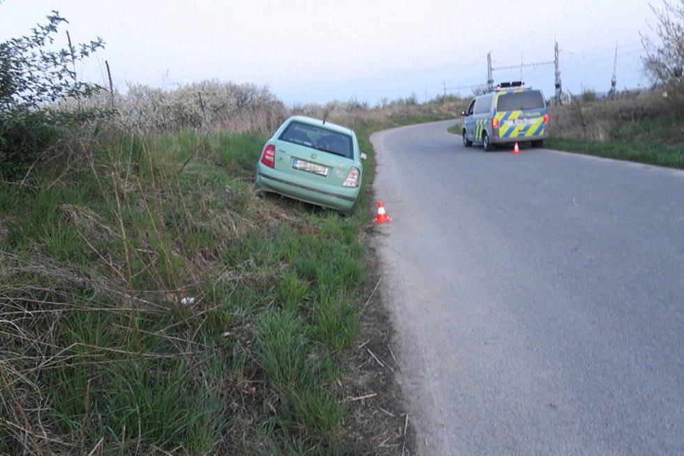 Havárie opilé řidičky fabie u Brodku u Přerova