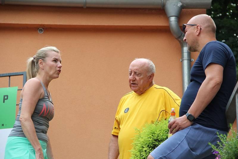 Leona Machálková a Felix Slováček. Tenisová akademie Petra Huťky Acuna cup v Přerově. Červen 2021