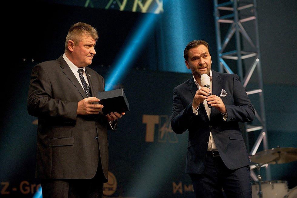 Prezident ČTS Ivo Kaďerka (vlevo). Galavečer k anketě Zlatý kanár 2018 v hale TJ Spartak Přerov.