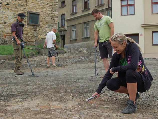 V obležení archeologů je v těchto dnech ulice Na Marku v Přerově. Archeologové v této lokalitě pátrají po základech bratrské školy, ve které působili Jan Amos Komenský a Jan Blahoslav.